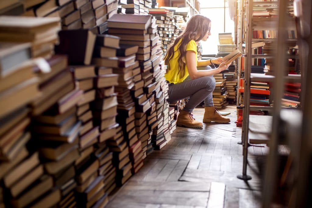 A library in chaos that's in need of a library management system
